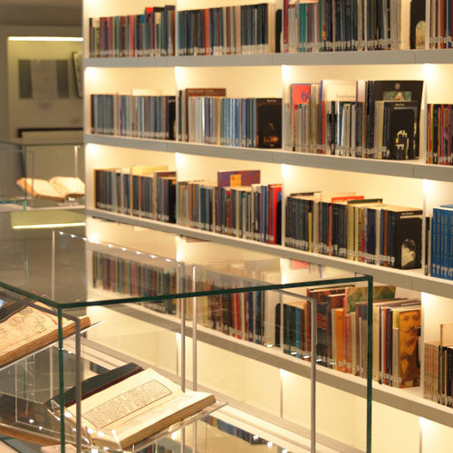 Kültürün Pusulası: Araştırma Kütüphaneleri