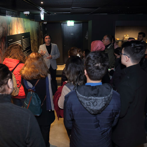 Tombak: Altından Süzülen Zarafet ve Orhan Pamuk - Balkon: Fotoğraflar
