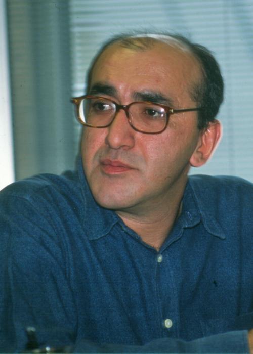 Seyhan Erözçelik