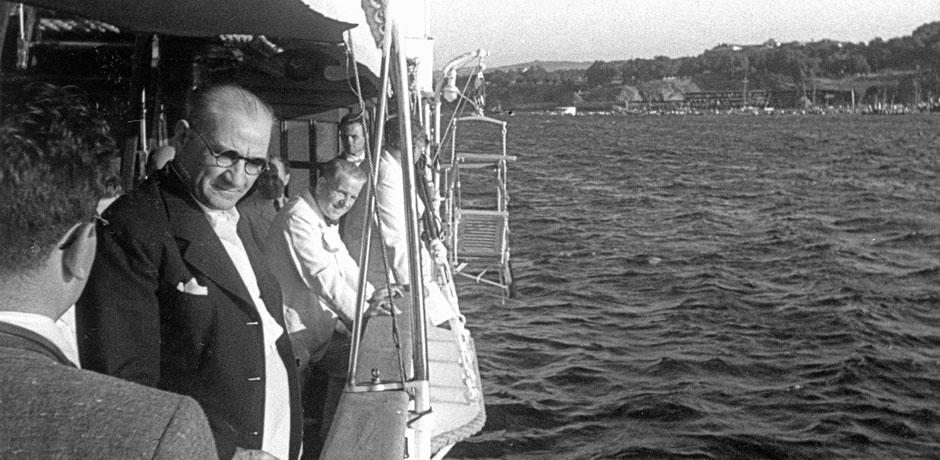Atatürk'ün İstanbul Hikâyeleri