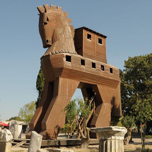 Troya: Arkeolojiden Mitolojiye Bir Kentin Öyküsü