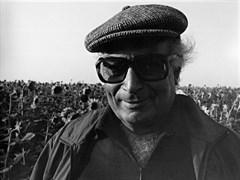 Ara's Camera  on Yaşar Kemal