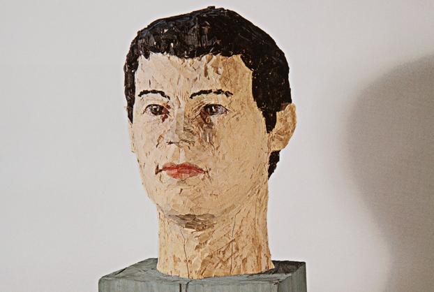 Stephan Balkenhol Männlicher Kopf 1991, wawa tahtası, boyanmış, 190 x 65 x 55 cm