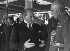 Mustafa Kemal, 26 Haziran 1934 Salı günü Kınalıada vapurunda Rıza Pehlevi ile görüşürken.