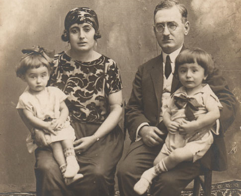 The Asaf family: Mehmet, Hamdiye and twins Özgönül and Özdemir, 1926.