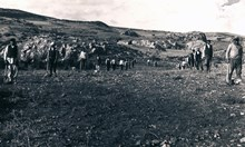 Immediately prior to the first pick-axe stroke on 5 September 1931 at the start of the second phase of excavation
