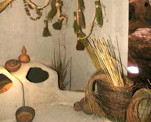 Çatalhöyük'te günlük kullanım eşyalarını gösteren sergi tasarım çalışması