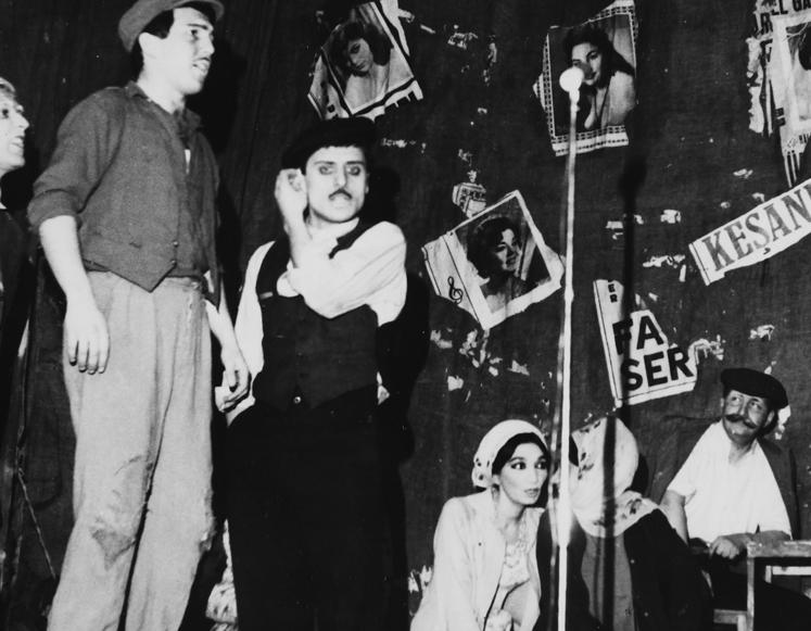Keşanlı Ali Destanı oyunu, Haldun Taner bir kereye mahsus boyacı rolünde(Duvar dibinde oturan, bıyıklı).