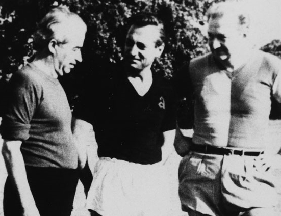 The football match of Keşanlı Ali and Men of Letters Society Teams. In the middle Referee Halit Kıvanç, on his right team captains Orhan Kemal and on his left Haldun Taner. 1964, Altunizade