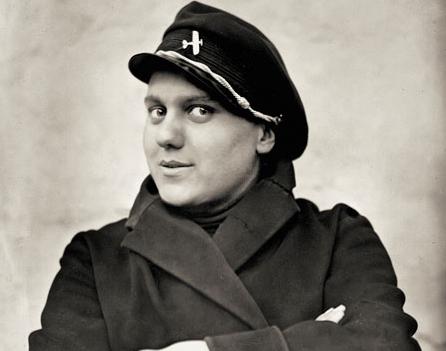 Svetozar Grdijan: Portrait of a female boxer Koka Cvijic, 15 years old,  Belgrad, 1928. Borba Fotodokumentacija