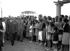 Cumhurbaşkanı Mustafa Kemal Atatürk ve Ekonomi Bakanı Celal Bayar, 9 Temmuz Salı günü Moda Deniz Kulübü'nün açılışı için Moda'ya geldi.