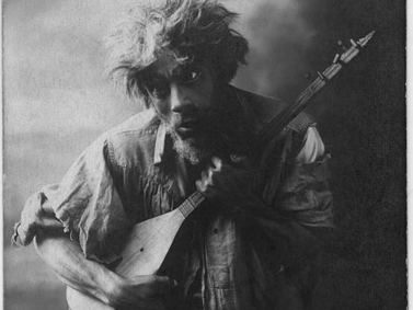 Bedros Mağakyan in Aleksandr Şirvanzade's play Çar Voki [Evil Spirit] as 'Kij [Mad] Taniel' (1920)