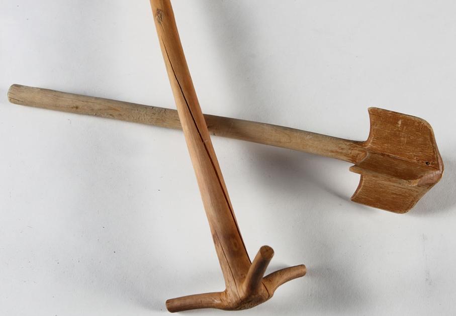 Şimşir veya çam ağaçlarından yontularak elle yapılan bir miser (Gudal), Güzin Çakır Koleksiyonu