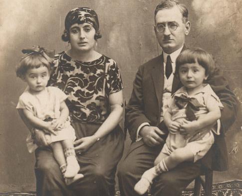 The Asaf family: Mehmet, Hamdiye and twins Özgönül and Özdemir, 1926.