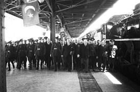21 Temmuz 1931 Salı günü, Haydarpaşa Garı.