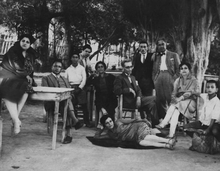 Boğos Savarş Karakaş, Jerfin and Aram Elmas, Torkom [Çanan] and Hosrof Emirhanyan (Üsküdar Beyleroğlu Garden)