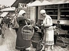 Svetozar Grdijan: Zeleni Venac Pazarı'nda tavuk alışverişi, Belgrad, 1920'lerin sonu. Borba Fotodokumentacija