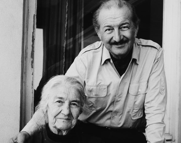 With his mother Seza Taner at their homein Mühürdar
