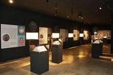 Sikkeler Ne Anlatır? Ortaçağ Anadolu Sikkelerinde Simgeler ve Çokkültürlülük