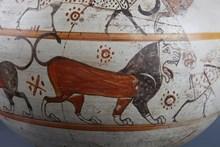 Lidya çömleği üzerinde betimlenen  aslan figürü detay görünümü