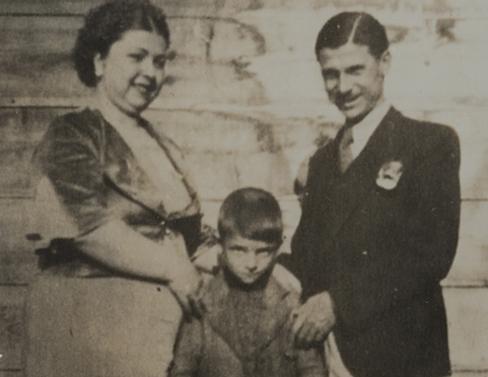 With his mother Hayriye and father Kaya Müren